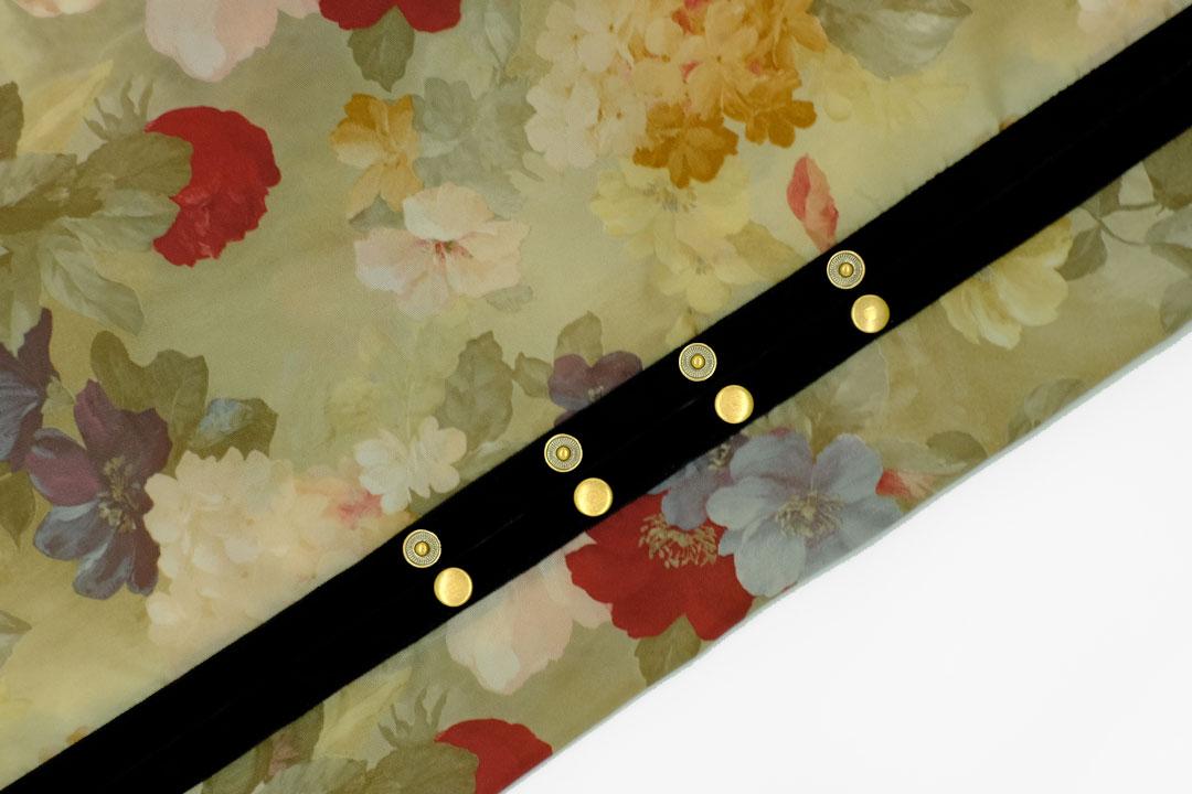 dada cloth Flower / ダダクロス フラワーのドットボタン