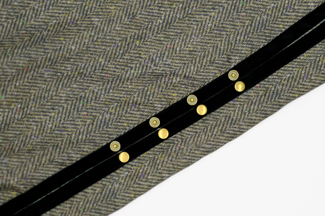 dada cloth Herrinbone / ダダクロス ヘリンボーンのドットボタン